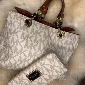 COPY - Michael Kors Hand Bag